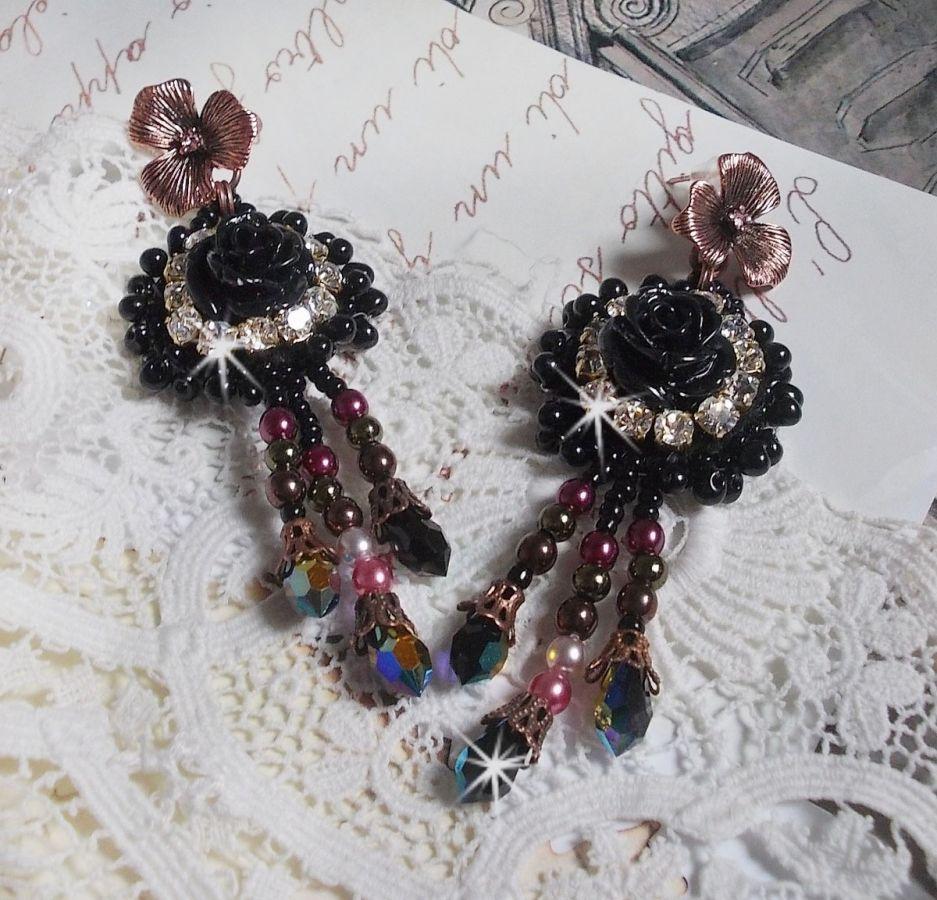 BO Midnight Daisy brodées tout en finesse avec ces perles nacrées