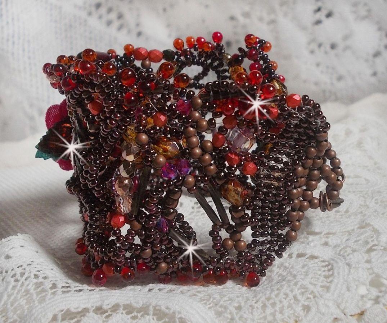 Bracelet manchette Belle Hélène tout en rocailles et perles