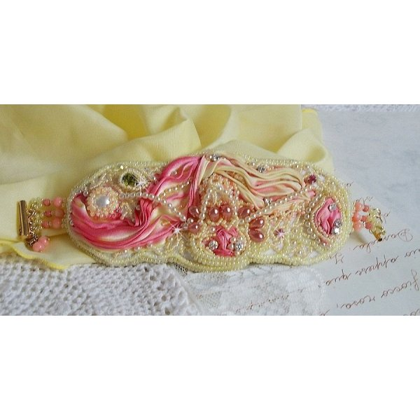 Bracelet manchette Les Délices de L'Eté, Un Shibori de soie jaune et Rose