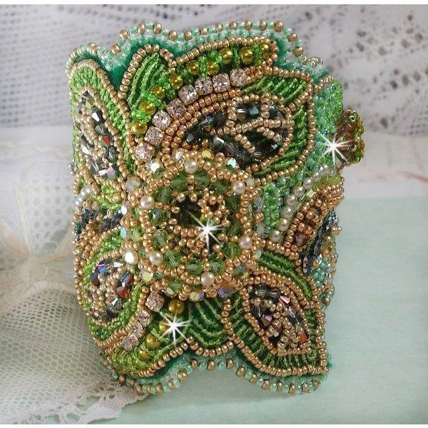 Bracelet manchette Garden Party avec un cabochon vintage et des cristaux