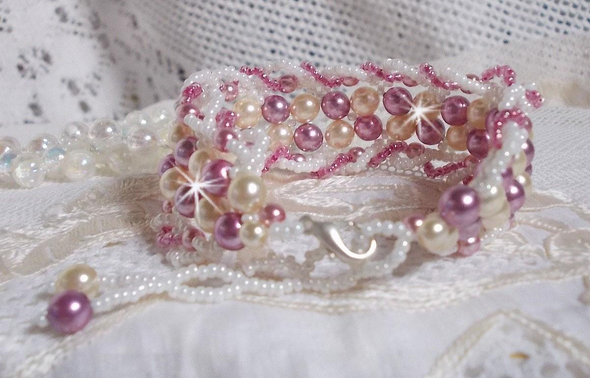 Bracelet Détente Avec des perles nacrées en cristal de Swarovski