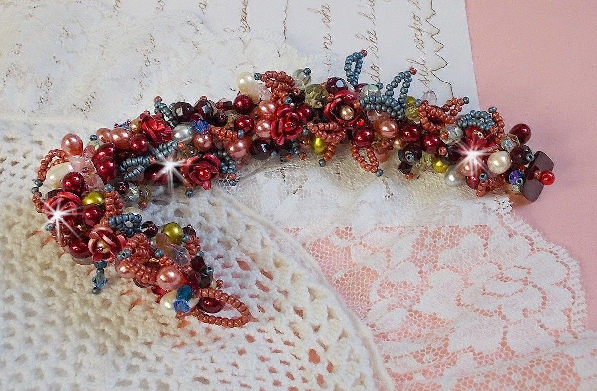 Bracelet Fleur de Chine avec des cristaux et pierres fines