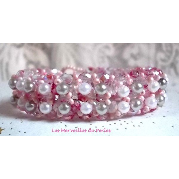 """Bracelet perles  """"Gouttes de rose"""" tourbillon de perles en nacre"""