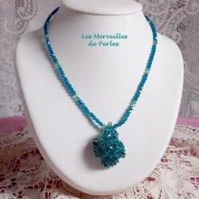 "Collier pendentif cristal ""Emeraude"" élégance de perles"
