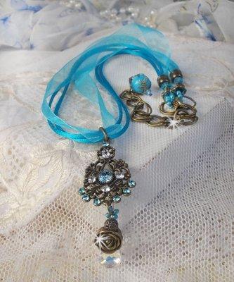 Collier pendentif Lady in Blue avec des cristaux de Swarovski