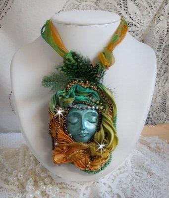 Collier pendentif Lune Vénitienne avec un très beau Shibori