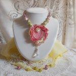 Collier Coeur Tendre, perles céramique, Crystal de Swarovski et un Shibori de soie.