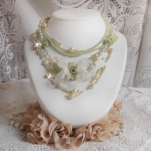 Collier et BO bohémien Nadine avec des cabochons fait main en pâte polymère et des perles nacrées