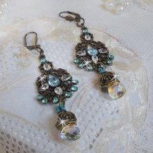 Boucles d'oreille Lady in Blue montées avec des cristaux de Swarovski et des Zirconium