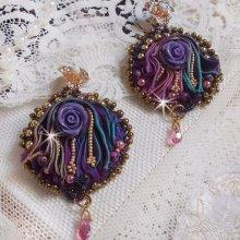 BO La Passionnée de Venise brodées avec un ruban de soie Purple, des Cristaux de Swarovski et des rocailles Miyuki