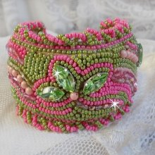"Bracelet brodé ""Miss Lady"" cocktail vert et rose"