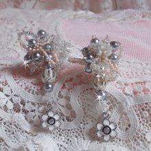 BO façon Coco avec des perles rondes nacrées et rocailles