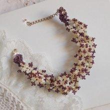 Bracelet Les Floralies, rocailles pour donner une belle dentelle de perles.