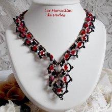 Collier Ruby and Black avec des perles rouge, noir et blanc