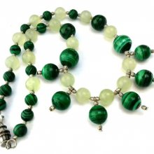 Collier artisanal serpentine-malachite